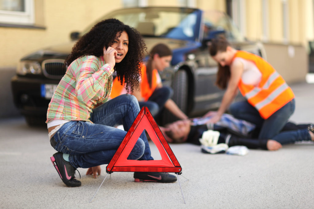 Loi Badinter: accident de la circulation admis en cas de blessure due à une assistance volontaire de la victime