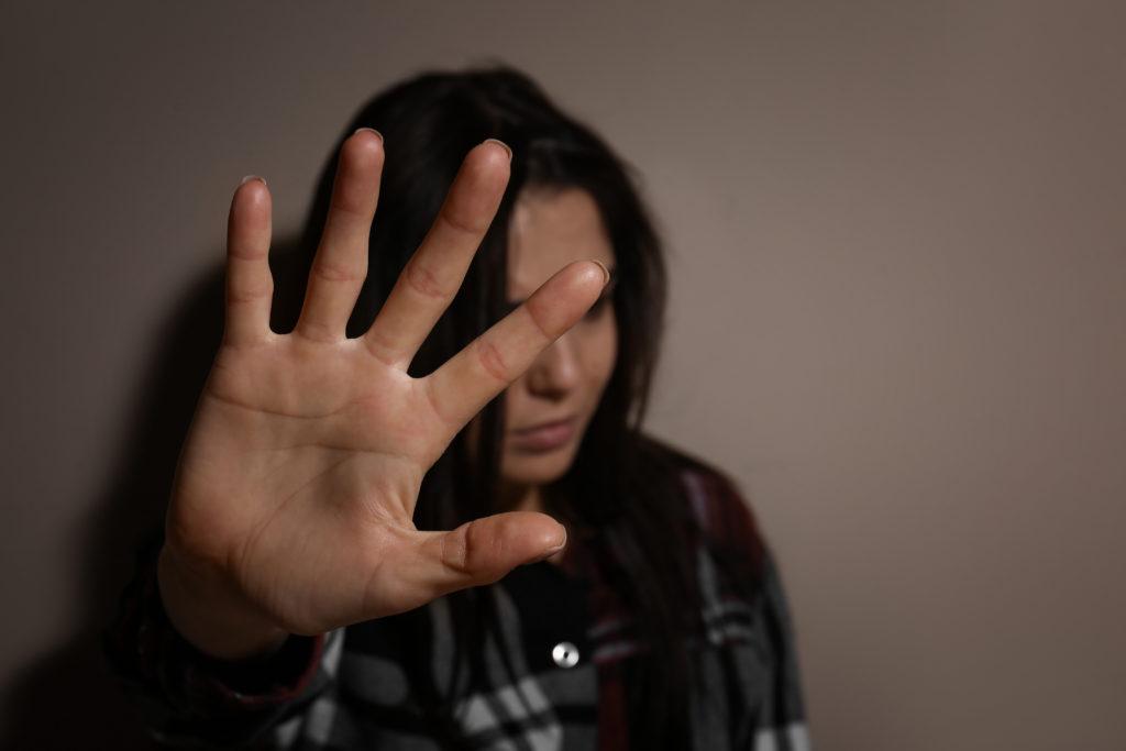 Confinement: pour les femmes victimes de violences conjugales, la double peine